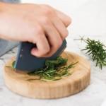 Нож-лезвие  LEO для снятия листьев со стебля с доской, диам. 16,5 см